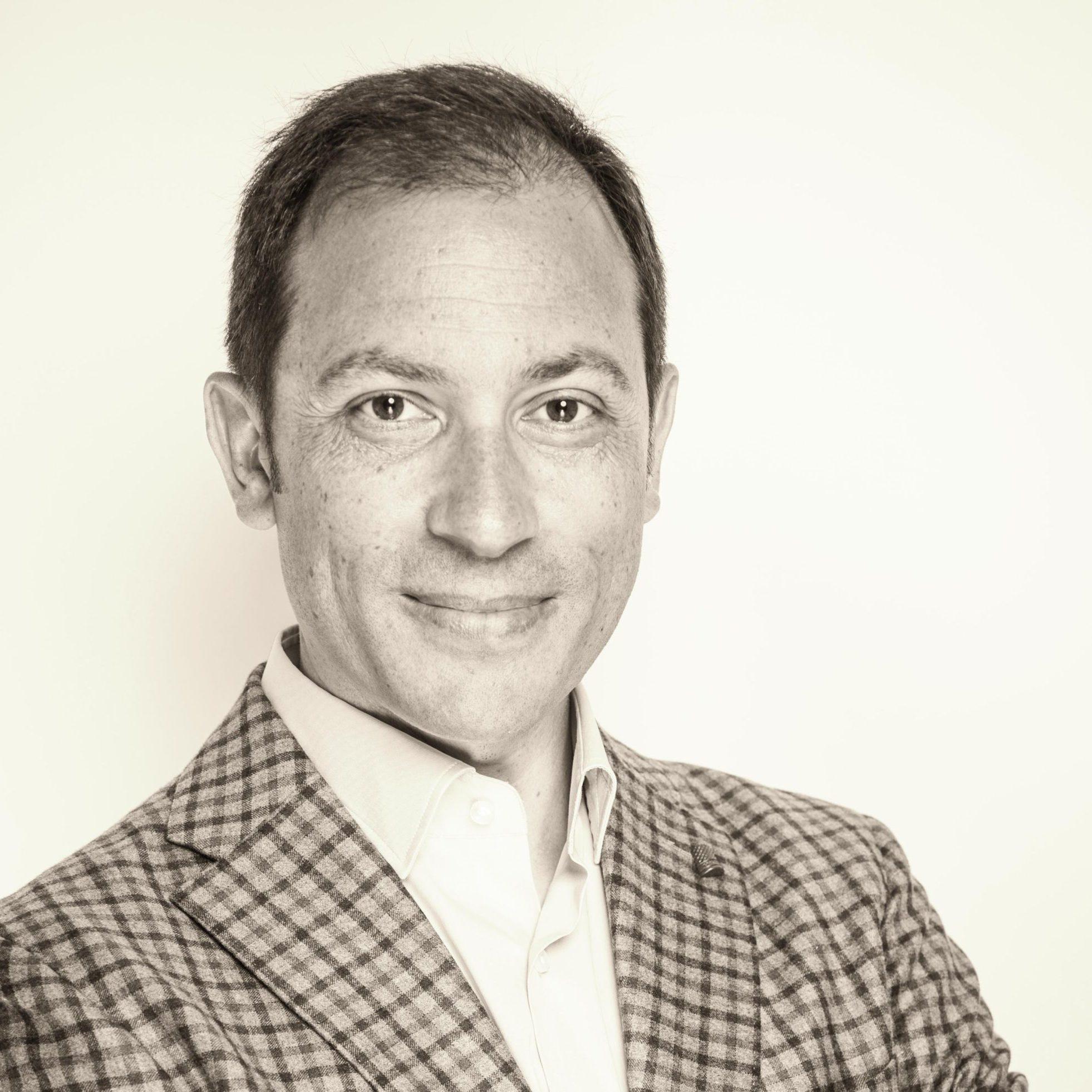 Héctor Robles experto en innovación empresarial